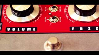 THE FUZZ PEDAL - HOW TO SET IT UP FOR THE BEST BLUES TONE