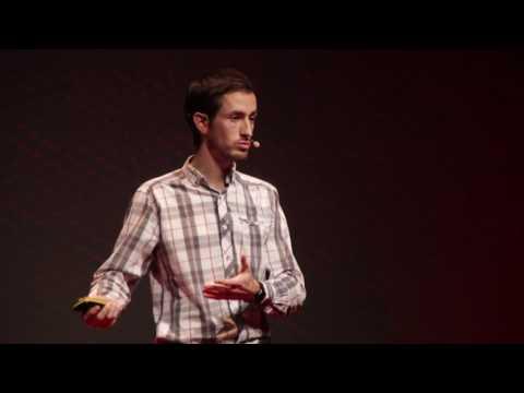 Lapraszerelt boldogság | Morandini Viktor | TEDxYouth@Budapest 2016