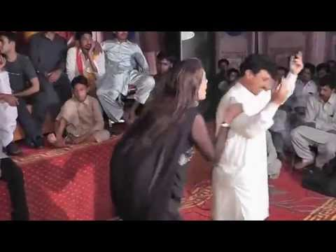 Video Punajbi Seraiki Song, Main Mahi Day Khooh, Very Hot Dance Mehfil Mujra download in MP3, 3GP, MP4, WEBM, AVI, FLV January 2017