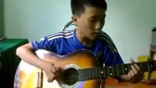 Em trai cover bài Dấu Mưa giọng hát quá trong quá truyền cảm <3