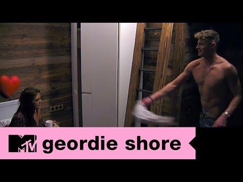 Scotty T leva Abbie para o quarto do sexo   MTV Geordie Shore T14