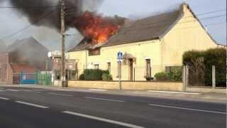 Video Spectaculaire incendie chez un vendeur de bouteilles de gaz, route de Mons 59600 Maubeuge Part1 MP3, 3GP, MP4, WEBM, AVI, FLV Oktober 2017
