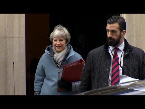 Großbritannien: May in schwieriger Brexit-Mission in Brüssel