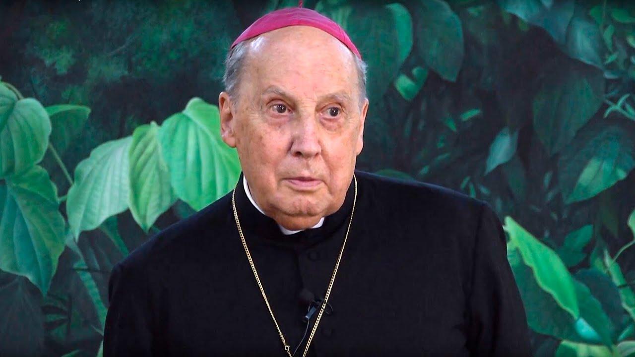 Agosto 13 de 2015: Tertulia del Prelado del Opus Dei en el Gimnasio Los Alcázares