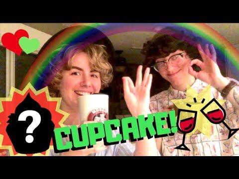 BAKING CUPCAKES!!! feat. Enjolras