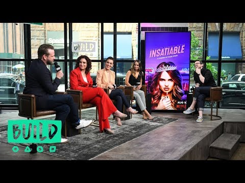 "Debby Ryan, Alyssa Milano, Lauren Gussis & Dallas Roberts Chat Netflix's ""Insatiable"""