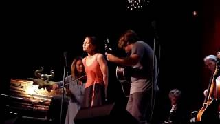Fiona Apple with Sara & Sean Watkins, Sebastian Steinberg - Jolene (Dolly Parton) Live at Largo
