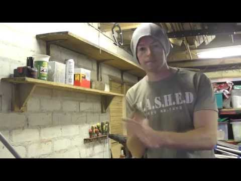 DIY shelves with homemade brackets (видео)