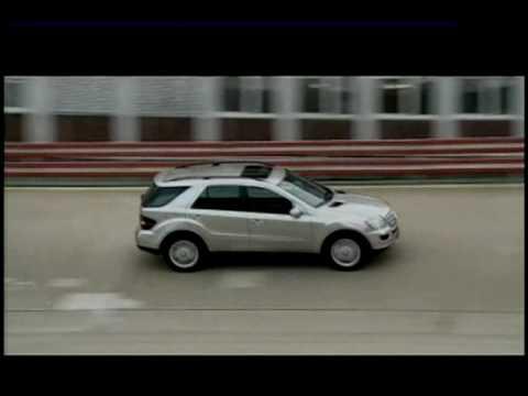 Mercedes-Benz ML450 Hybrid Action