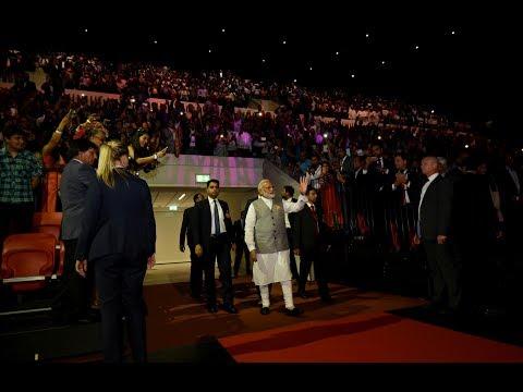 PM Modi met members of Dutch-Indian community at The Hague, Netherlands