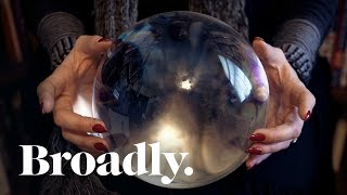 Video This Female Magician Is A Real Crystal Ball Buster MP3, 3GP, MP4, WEBM, AVI, FLV Desember 2018