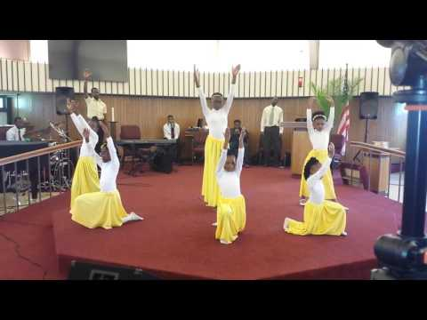 Praise Dance to We Give You Glory by James Fortune ft. Tasha Cobbs