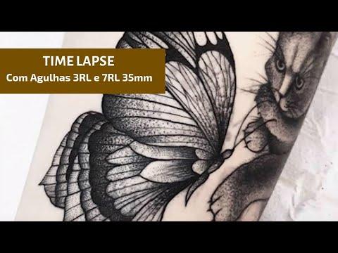 Tattoo borboleta com 3rl e 7rl e pontilhismo