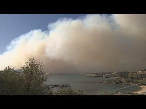 Μάχη με τις φλόγες στη Σιθωνία