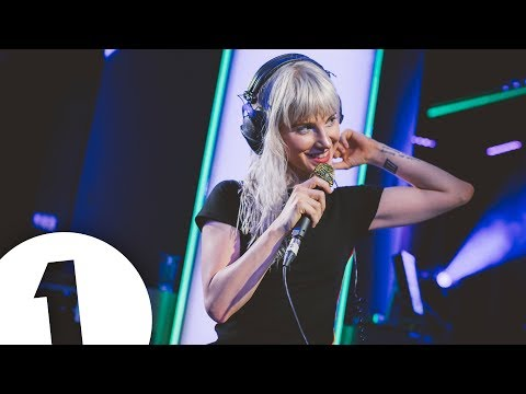 Paramore - Hard Times in the Live Lounge (видео)