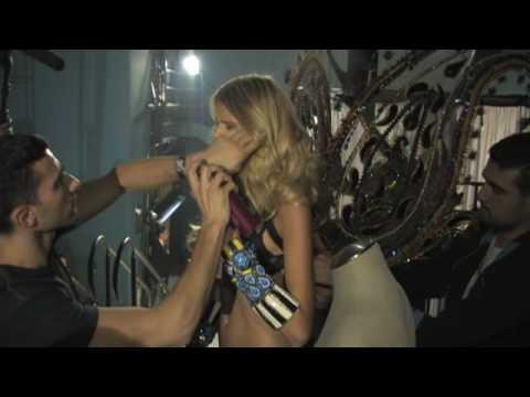 Victoria's Secret Fashion Show 2009 - Backstage