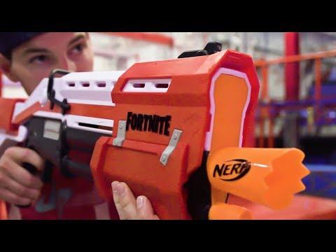 Nerf Fortnite Blasters Battle | Dude Perfect - Thời lượng: 13 phút.