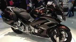 9. 2013 Yamaha FJR 1300A details walkaround