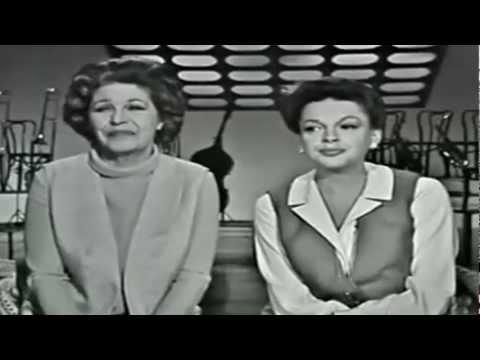 Judy Garland & Martha Raye – Glenn Miller Medley