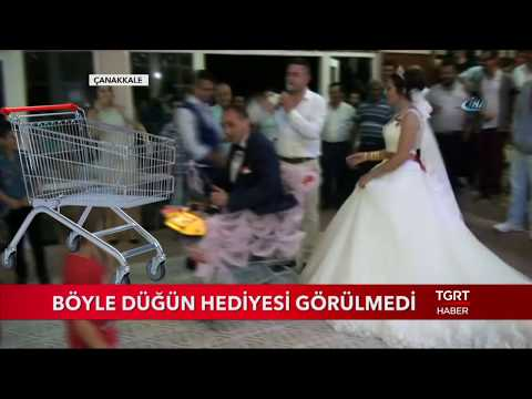 Video Böyle Düğün Hediyesi Görülmedi download in MP3, 3GP, MP4, WEBM, AVI, FLV January 2017