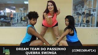 """Dream Team do Passinho - Quebra SwingaCoreografia - Free Dance Mayara - @amaycamposKátia - @katiafinoAmanda - @mandy_ferreira0Venha fazer parte da nossa família se inscreva no nosso canal e não se esqueça de clicar em """"gostei"""" e compartilhar o vídeo!  e fiquem ligados nas próximas novidades! Os Integrantes da Nossa Família ((Free Dance))FacebookDançarina: Carol HenriquesDançarina: Ranna BittencourtDançarina: Kátia Fino Dançarino: Thiago SantanaProf: Beatriz Ferreira ((Bia))Prof: Mayara Campos ((May))Prof: Amanda Ferreira Prof: Jorge Alves ((Jorginho))Prof: Ruan RosaProf: Júlio César ((Julinho))Prof: Wesley Stifler ((Tico))Prof: Anderson AlvesProf: Antonio Bruno ((Bruno Índio))Prof: Carlos Henrique ((Avatar))Patrocínio: STILLUS FITNNESSSe Inscreva no Nosso Canal - FREE DANCE #BORADANÇARDeixe o seu Comentário..."""
