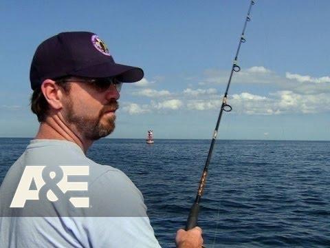 Wahlburgers: Paul and Bob Take the Kids Fishing (Season 2, Episode 8) | A&E