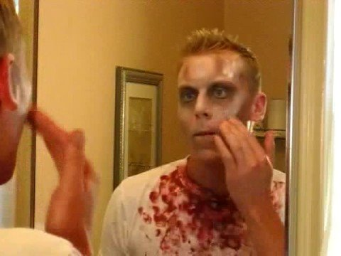 How-to apply Zombie make-up as a Halloween costume