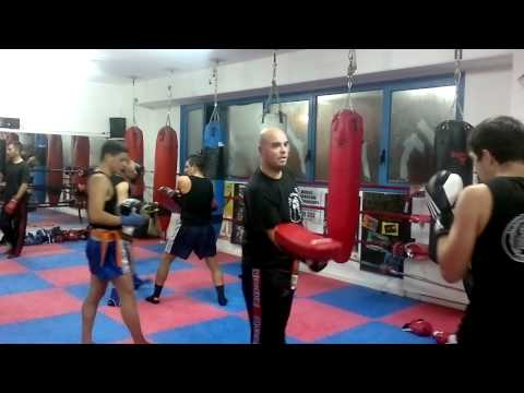 Corso misto kickboxing 2011 fighter lavoro coi pao
