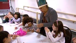 Crianças aprendem sobre a cultura indígena durante as férias em Tupã