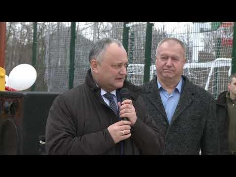 Șeful statului a participat la deschiderea unui complex sportiv în satul Bîrlădeni, raionul Ocnița