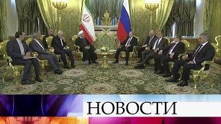 Президенты России иИрана Владимир Путин иХасан Рухани проводят переговоры вМоскве.