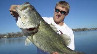 Video Catching Huge Bass with Ryan Swope MP3, 3GP, MP4, WEBM, AVI, FLV Agustus 2018