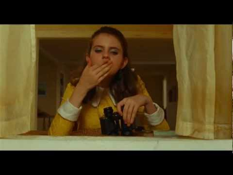 watch Moonrise Kingdom trailer