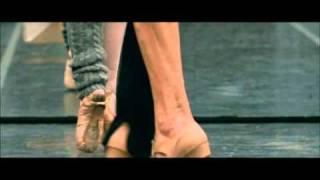 Video BLACK SWAN Featurette: Natalie Portman's Training MP3, 3GP, MP4, WEBM, AVI, FLV Juni 2019