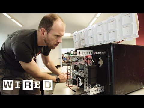 Electrical Engineer Builds a Robot That Cracks a Combination Lock Safe in Fifteen