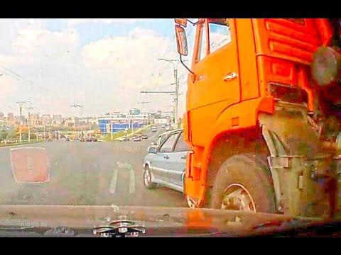 Авария в Чебоксарах у КамАЗа отказали тормоза