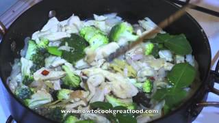 Asian Chicken&Pineapple Cooked With Coconut Milk&Thai Lime Leaves Recipe