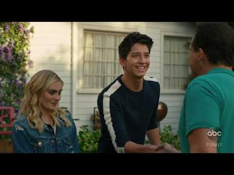 American Housewife - A ''ZOMBIES'' Reunion - CLIP
