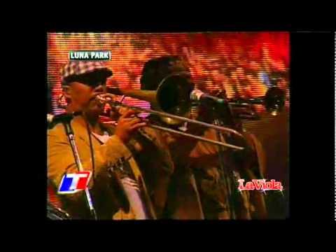 Calle 13 @ Luna Park 2011 - Baile de los Pobres/No hay Nadie como Tu/Vamo' a Portarnos Mal (видео)