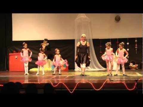 02 - A Bailarina (Studio A Academia de Dança | Além Paraíba-MG)