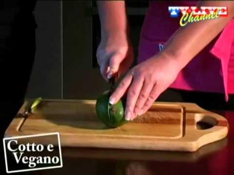 scopri i 3 ingredienti per un'insalata che mantiene la pelle giovane