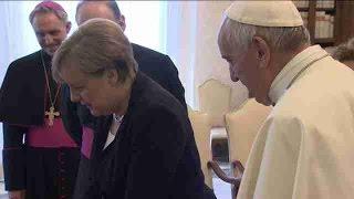 Ciudad del Vaticano, 17 jun (EFE).- El papa Francisco recibió hoy en audiencia a la canciller alemana Angela Merkel y...