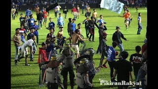 Video Part 1 Gas air mata AREMA VS PERSIB Aremania kecewa kepada keputusan wasit MP3, 3GP, MP4, WEBM, AVI, FLV April 2018