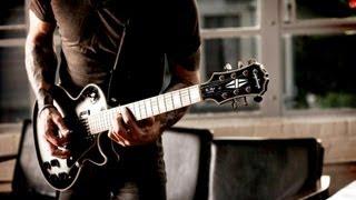 Plus d'informations sur http://www.rocksmith.com Rejoignez la révolution Rock sur Facebook...