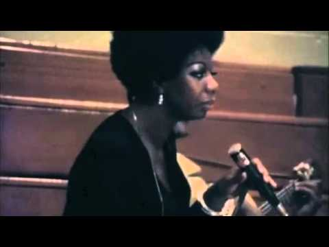 Tekst piosenki Nina Simone - To Be Young, Gifted And Black po polsku