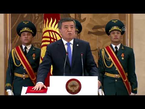 Kırgızistan'ın 5'inci Cumhurbaşkanı Ceenbekov Yemin Etti