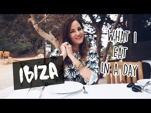 What I eat in a day on IBIZA // Your Little Black Book
