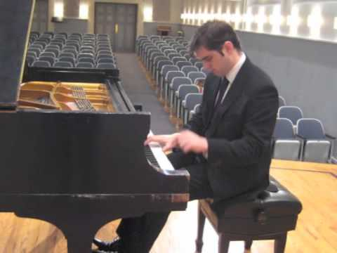 Bradley Burgess plays Schumann - Grillen (extract)