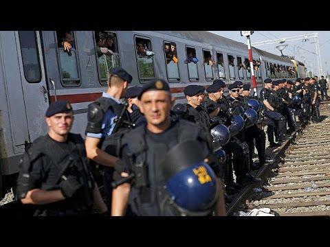 Χιλιάδες μετανάστες εγκλωβισμένοι στα σύνορα Σερβίας – Κροατίας