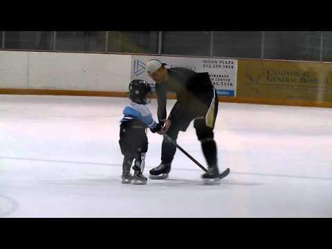 Craig Adams Teaches His Toddler to Ice Skate
